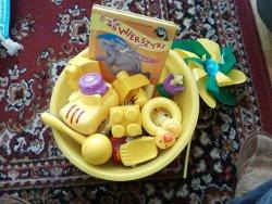 żółte zabawki