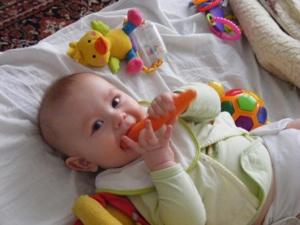 Damian z marchewką