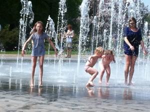 zabawa w fontannie